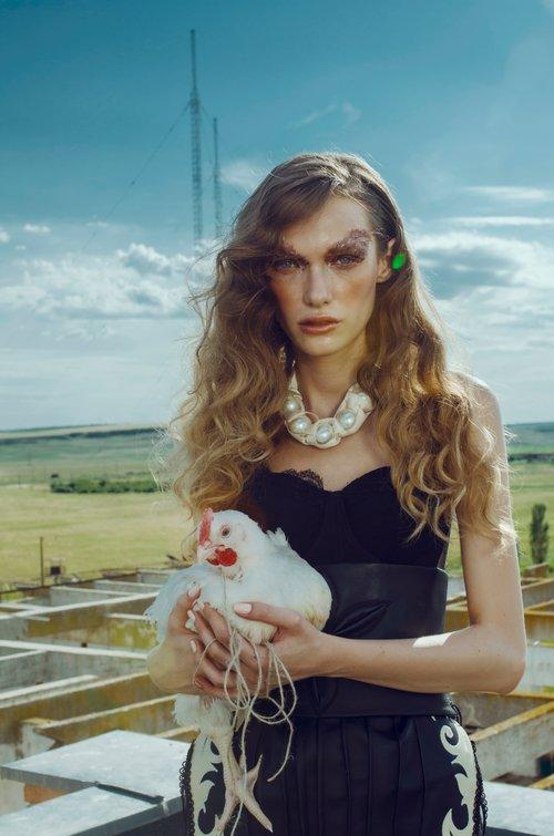 Model : Diana Toma (One models Agency Romania) - KAVYAR
