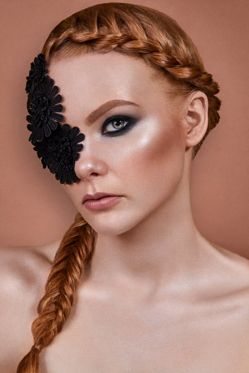 """Editorial """"Glowing between laces"""" for Make-Up Trendy PL (2/3)   Model: Magda Fidera   Makeup: Agini Makeup Artist of MUA Familia   Hair: Hairdreamer   by Focused On Beauty, Like a Lion Magazine, Agnieszka Krzyzowska, Magdalena Fidera, Anna Pacak"""