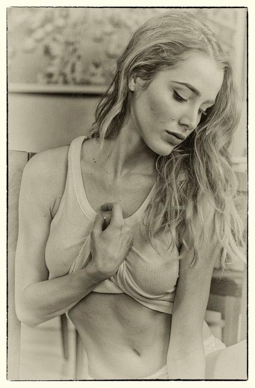 NICOLE'S PORTRAIT   by roberto bottarelli, Sadie Gray