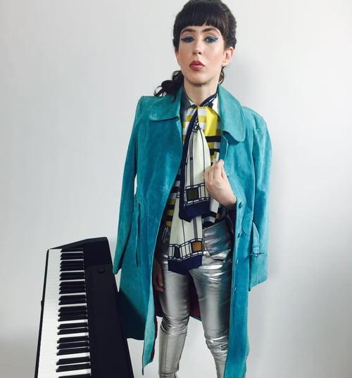 David Bowie Life on Mars Piano Tribute Video   by Jenny O'Connell, Brianna Darpino, Shruti Arya, Ramses