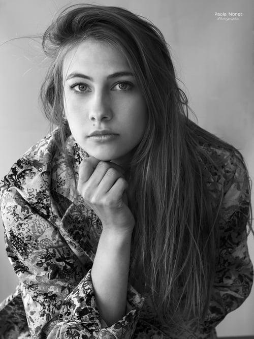 Portrait noir et blanc   by Fanny Oddo, Paola Monot
